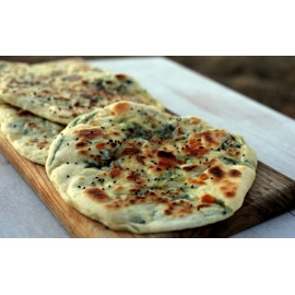 GARLIC AND CHEESE NAAN